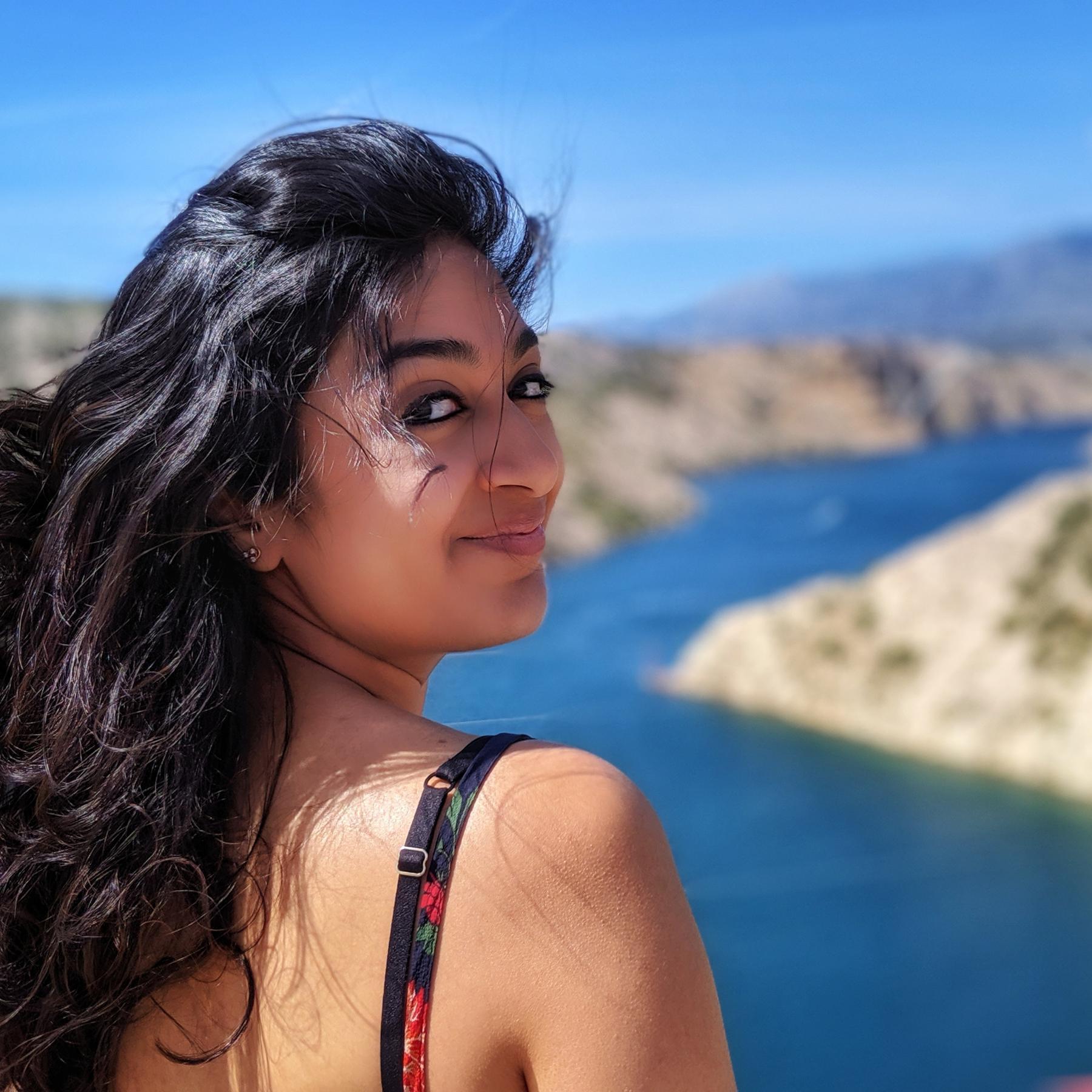 a girl smiling instagram influencer