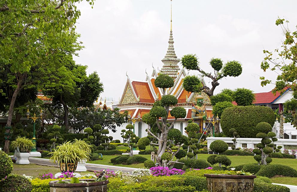 Wat Arun, a temple in Bangkok to travel when in thailand