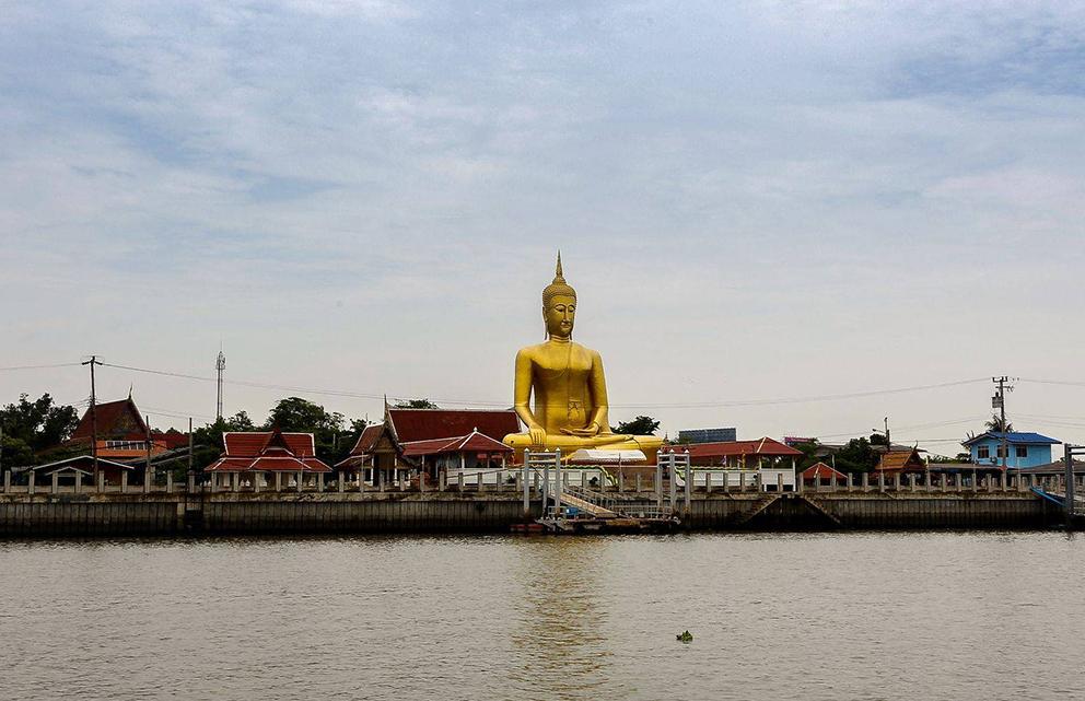 Koh Kret artificial island in thailand